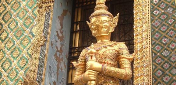 Thailand Familiereis: In een kleurrijke tuk tuk naar parelwitte stranden