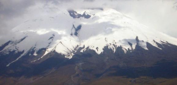 Ecuador Familiereis:  Witte vulkanen en kleurrijke Indianen